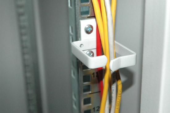 Passacavi per armadi rack 100×45 mm. confezione 10 pezzi – colore grigio ral 7035