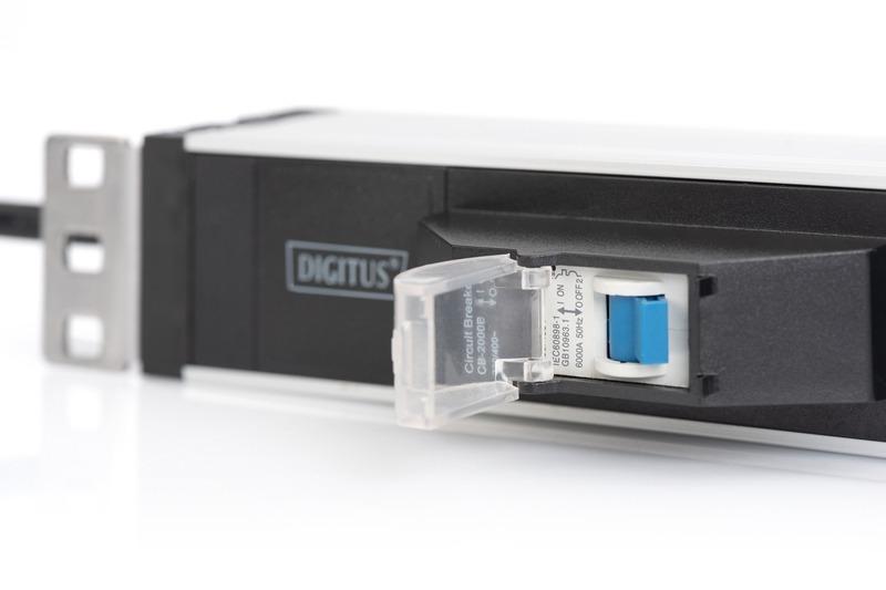 Multipresa in alluminio 19″ con 6 prese e spina schuko 1u con protezione contro sovraccarichi digitus