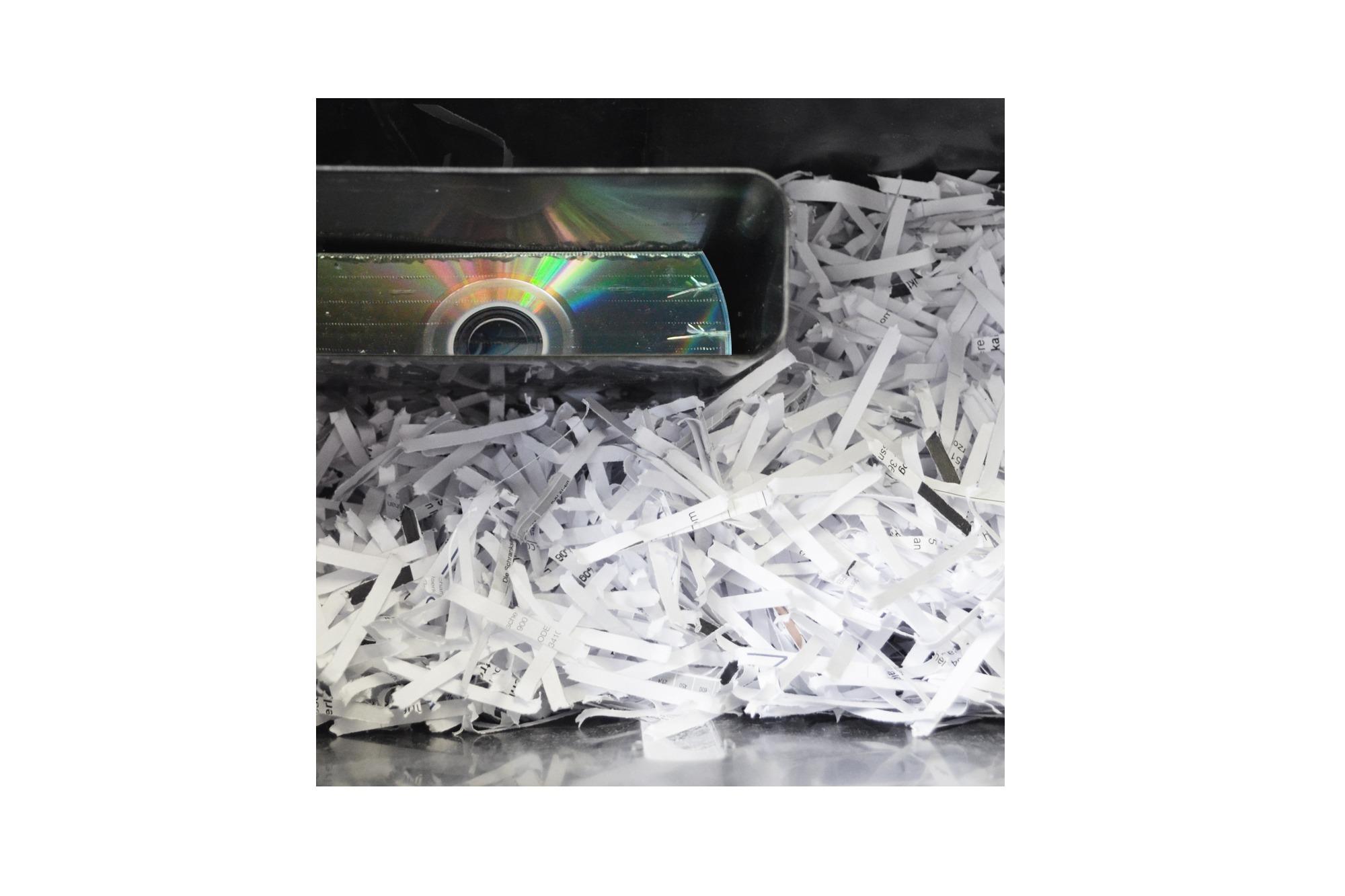 Distruggidocumenti 7 fogli taglio 4×45 mm capacita' 15 lt con slot per cd e carte di credito digitus