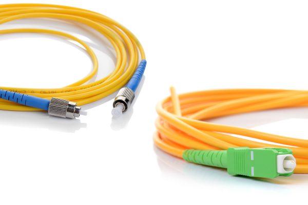Cavi fibra ottica: la differenza tra il connettore APC e quello UPC