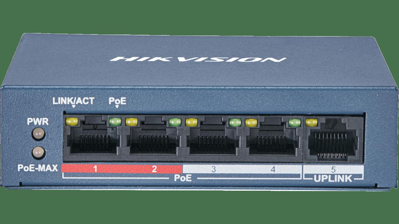 DS-3E0105P-E/M  Switch 10/100 4 porte PoE